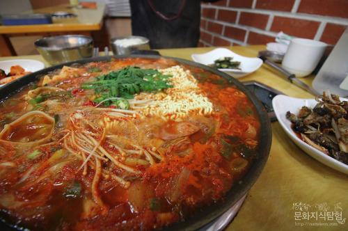 안동 부대찌개 맛집 신시장 돌고래식당(업데이트)