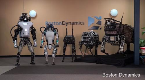 로봇, 전기차, 드론. 2017년은 미래에 얼마나 가까워졌나?