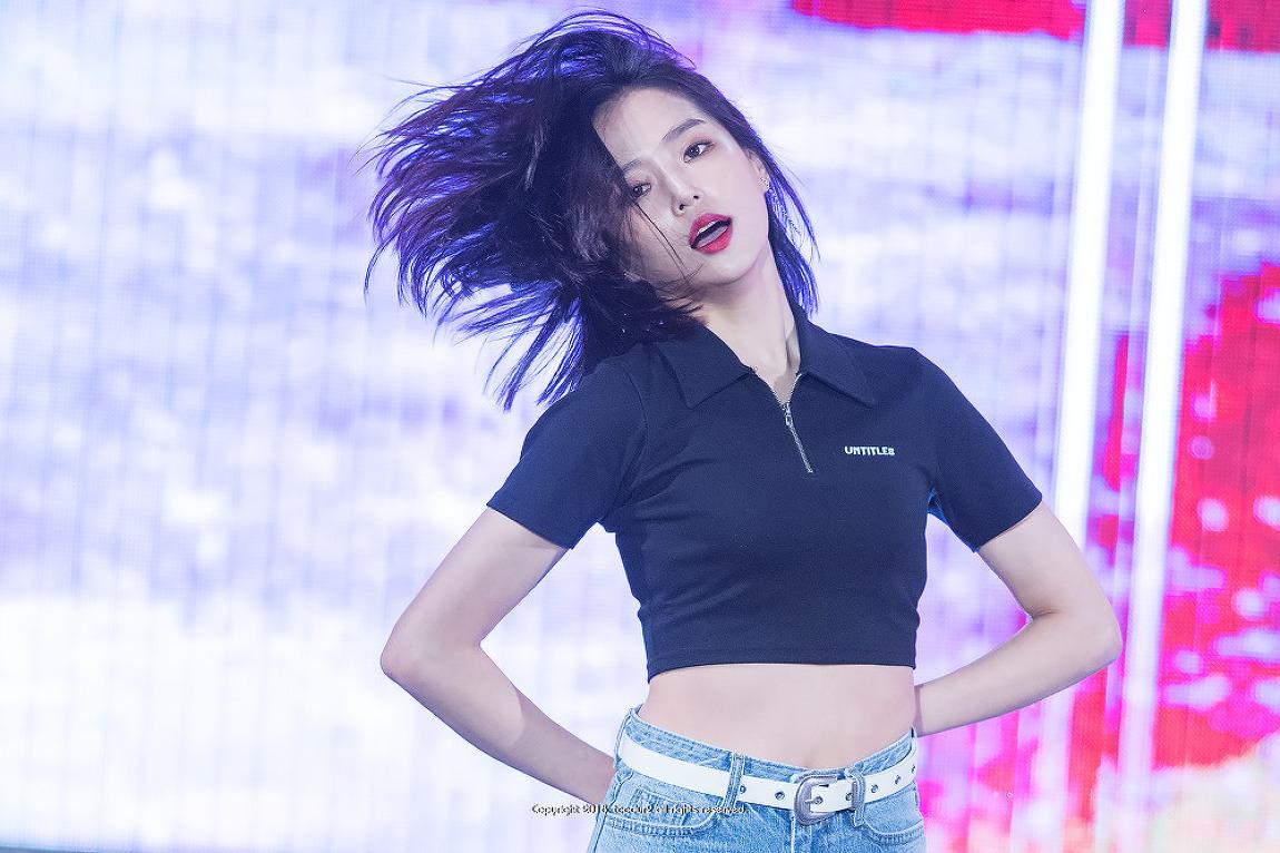 씨엘씨 (CLC), 장예은: 현인가요제 축하공연 #..
