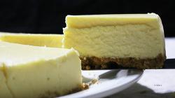 깊고 진한 맛의 뉴욕치즈케이크 만들기 [동영상레시피]