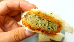 GS25 신제품, '미트고로케 샌드위치' 먹어봄
