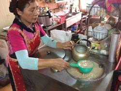 누룩향 살아있는 막걸리 맛보려면 함안 진이식당
