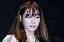 소녀시대 티파니의 전범기 SNS 게재는 왜 용서받을 수 없을까?