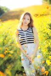 꽃밭에서 담아본 레이싱모델 유진 님 ㅎ (5-PICS)