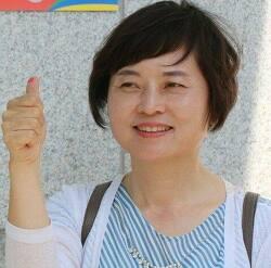 """민주당 가니, """"김경영 가는 빨갱이"""" vs """"변절자"""""""