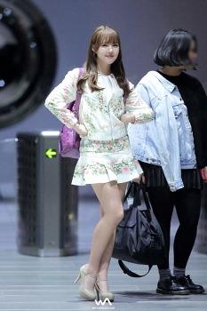 160412 - 여자친구 (GFRIEND) 예린 @SBS MTV 더쇼 퇴근길 직찍