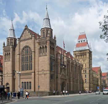 만체스터대학교 만년 영국 20위권 대학!