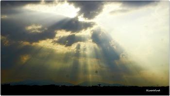 빛내리는 구름사진