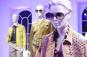 낙관적 컬러 팔레트의 향연, 보테가 베네타(Bottega Veneta) 2018 S/S 컬렉션 프레젠테이션