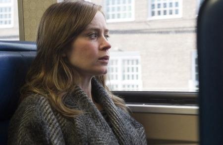 '더 걸 온 더 트레인 The Girl on the Train, 2016', 통근 기차를 탄 에밀리 블런트