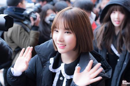 [PHOTO] 170207 서울 공연예술고등학교 졸업식 - 여자친구 by Girls Grapher