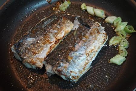 생선구이 맛있게 하는 법 팁은 생선 비린내잡기.