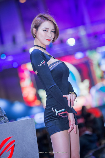 레이싱 모델, 박하: 국제게임전시회 지스타(G-STAR)