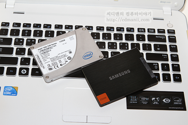 SSD USB 연결, SATA USB 젠더, 시게이트 USB 젠더, IT, SSD, 인텔, 삼성, 노트북 SSD, 노트북 SSD 교체, SSD USB 연결 SATA USB 젠더 활용기 시게이트 USB 젠더  SSD USB 연결시 S-ATA를 USB로 바꿔주는 젠더가 필요합니다. 삼성 SSD 경우 노트북패키지를 구매하면 이 젠더가 미리 들어있기도 한데요. 그런데 다른 패키지를 구매했거나 다른 SSD를 쓴다면 S-ATA to USB 젠더가 없을것입니다. 별도로 구매를 해야하는데요. 강원전자의 젠더를 써도 되는데 만약 시게이트 외장하드를 쓰는분이 있다면 잠깐 빌려다가 젠더를 쓸 수 도 있습니다. 실제로 어느분이 저에게 질문을 주셨는데 연결해서 저도 테스트해보니 인식을 잘 하더군요. SSD USB 연결 하나도 어렵지 않습니다. 그럼 한번 살펴보죠.