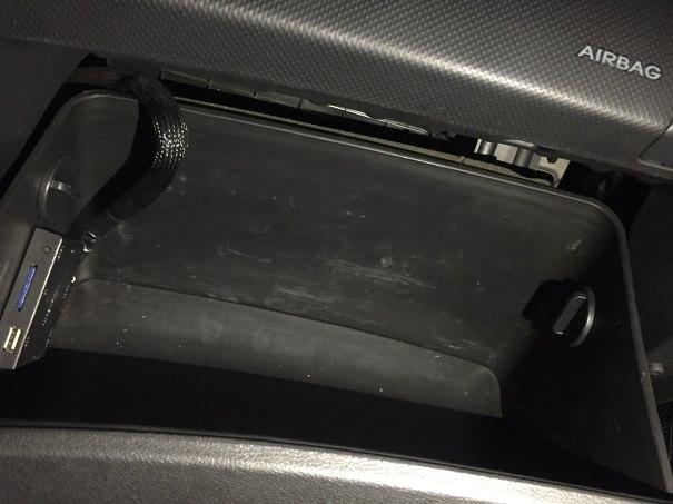 자동차 에어컨 필터 교체