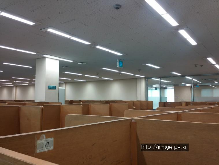 외대 중앙도서관 자유열람실
