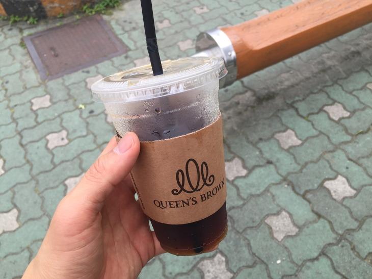 퀸즈브라운 서면역점 아메리카노 커피