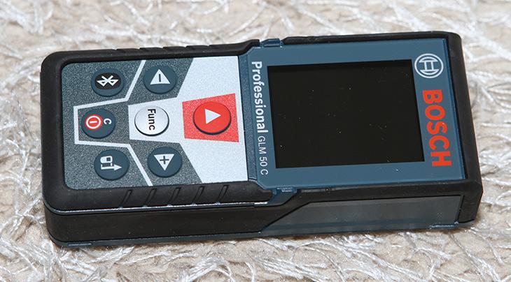 보쉬 거리측정기, GLM50C Professional ,레이저 거리 측정기,IT,IT 제품리뷰,거리측정기,BOSCH,측정기를 하나씩 사 모으는데요. 이것은 정말 가끔 필요했었습니다. 보쉬 거리측정기 GLM50C Professional 너무 편한 레이저 거리 측정기를 샀는데요. 건전지가 들어가는 50모델로 구매를 했습니다. 건전지가 안전할듯 했거든요. 보쉬 거리측정기 GLM50C Professional는 컬러화면으로 화면이 나타나서 오히려 좀 편한점도 있네요. 글자도 잘 보이고 사진찍을때 도 잘 나옵니다. 그리고 새로운 스마트폰과 연동 되는 기능도 제공을 합니다.
