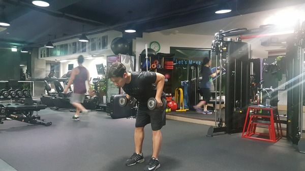 투 암 덤벨 킥백(Two arm dumbbell kickback)