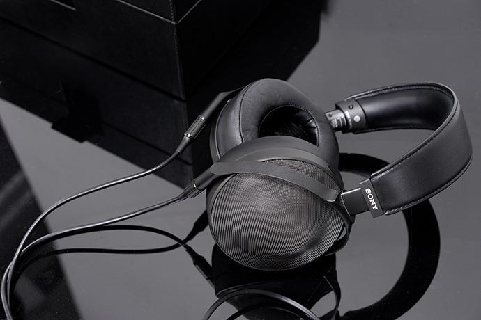 소니 오디오 기술의 정수, 시그니처 시리즈 리뷰 – MDR-Z1R 편
