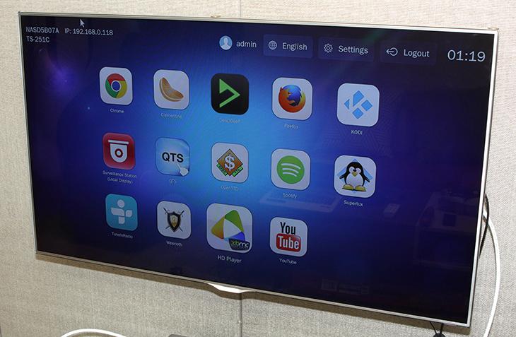 QNAP NAS ,TS-251C, HD Station ,활용하기,HybridDesk Statioin,IT,IT 제품리뷰,TV,TV 연결,NAS TV,HD Player,QNAP NAS TS-251C HD Station 활용하기편 입니다. NAS를 보통은 거실에 놓고 사용할 것입니다. 아닐지도 모르겠지만요. 제 경우에는 소음을 줄일겸 TV 바로 아래에 놓고 사용을 하는데요. 그런데 NAS도 컴퓨터이죠. TV화면을 이용해서 재미있느것을 할 수 있습니다. QNAP NAS TS-251C HD Station을 이용하면 되는데요. HybridDesk Station을 뜻하는 이것은 NAS에서 가상으로 데스크탑과 같은 환경을 만들어 줍니다. 간단한 앱을 이용할 수 있고 동영상을 보거나 음악을 듣거나 유튜브를 보거나 웹서핑을 하는것이 가능 합니다. CCTV가 연결된 경우 컴퓨터를 굳이 켜지 않더라도 NAS가 켜져 있다면 TV 화면으로 바로 확인이 가능 합니다. QNAP NAS TS-251C HD Station 기능은 NAS의 CPU 성능을 이용해서 사용자에게 편리한 인터페이스를 제공해주는데요. 참고로 CPU가 좋은 NAS일 경우 좀 더 좋은 성능을 내어줍니다. 실제로 사용해본 결과 동영상을 재생하는 부분은 상당히 우수했습니다. 그런데 유튜브를 재생 중에 해상도를 너무 높이면 거의 멈추는 경우가 발생을 했습니다. 낮은 해상도로 재생해도 화면이 좀 깨지는 현상이 생기더군요. 이부분은 CPU 성능때문으로 생각이 되어집니다.