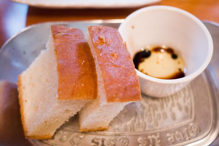 [홍대맛집 ] 갈릭소스 등심 스테이크와 나시고랭 - 참 괜찮은 '메리고라운드스테이크키친'