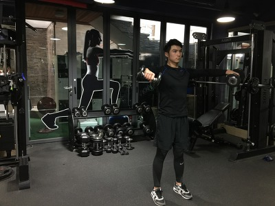 남자의 매력있는 어깨 만드는 운동1-사이드 래터럴 레이즈(Side Lateral Raise)