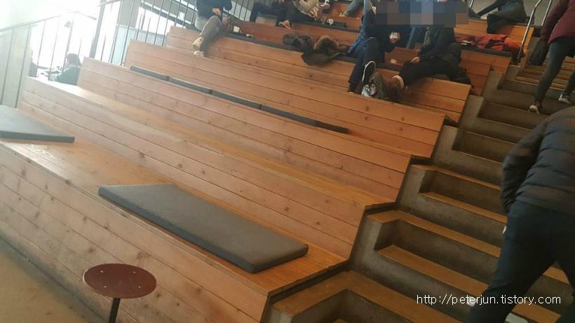 테라로사 계단형 테이블
