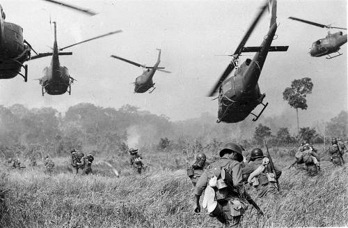 베트남을 무력으로 제압하려다 전쟁에서 패배한 국가 3개
