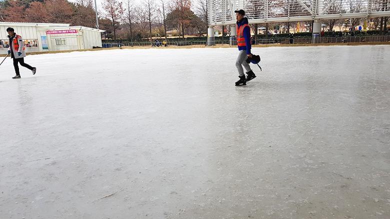 엑스포시민광장 야외스케이트장,대전 눈썰매장,대전 눈썰매,대전 스케이트장, 대전 스케이트장,대전 겨울 운동,겨울 스포츠