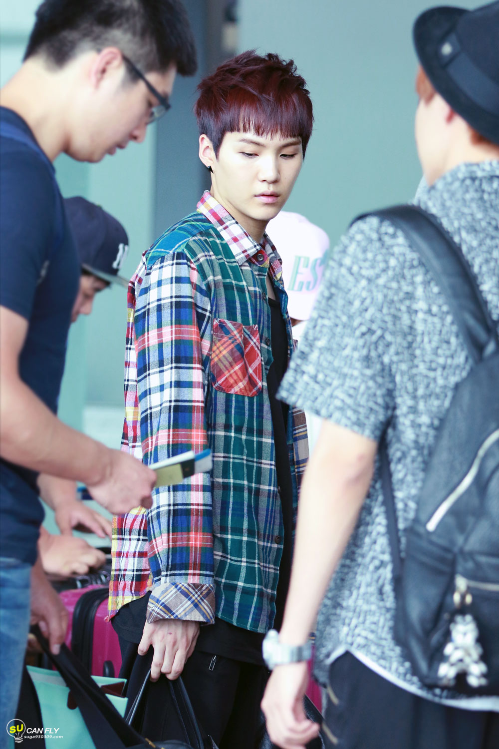 See The 7 Best Outfits From Idols With Checkered Shirts